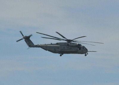 CH53が高江現場付近を飛行 普天間飛行場を離陸した機体か 高江米軍ヘリ炎上事故機と同型機